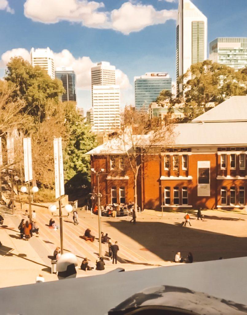 Perth siti di incontri Australia dipinti ad olio di carbonio di datazione